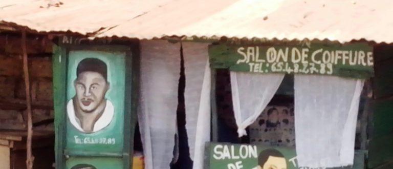 Article : Salons de coiffure de Conakry, fragments «d'ailleurs»