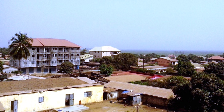 Un quartier de Conakry - photo: Alimou Sow