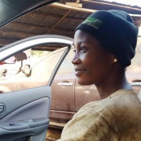 """Ces femmes au """"métier d'homme"""" : Solange Bamba, mécanicienne"""