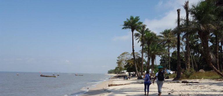 Article : Tayaki, un village de Conakry écartelé entre beauté et précarité